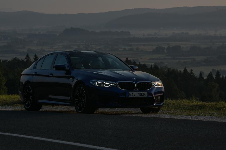 BMW M5   Avtor: Saša Despot