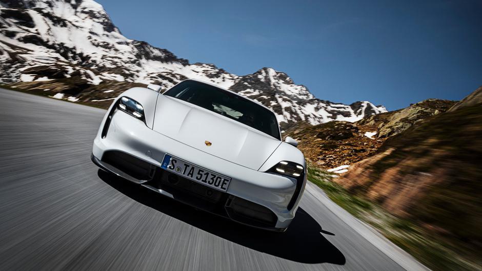 Porsche taycan   Avtor: Porsche