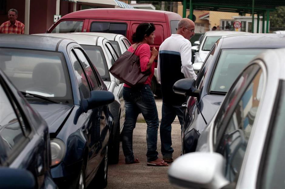 Prodaja avtomobilov na Kubi | Avtor: Reuters