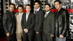 Zasedba: Jeremy Piven, Rex Lee, Kevin Connolly, Adrian Grenier, Jerry Ferrara in