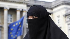 razno 10.05.10., burka,Salma, a 22-year-old French national living in Belgium wh