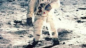 Neil Armstrong na Luni.