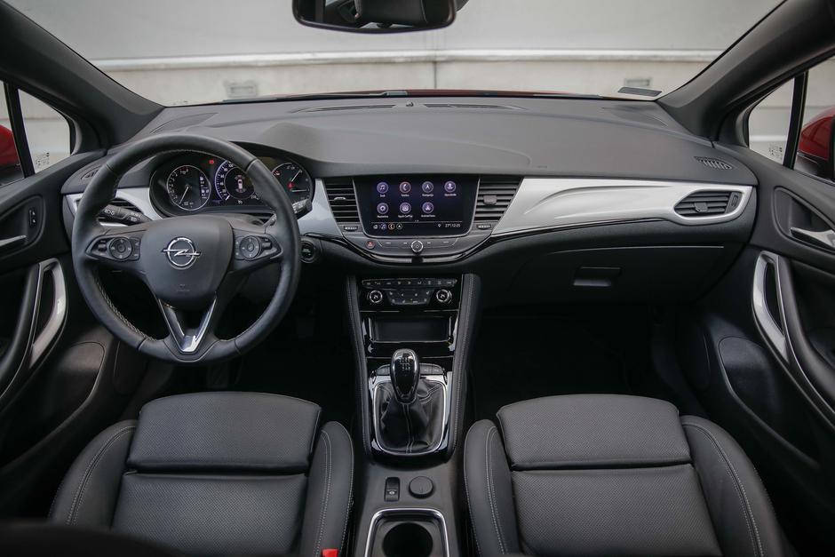 Opel Astra | Avtor: Saša Despot