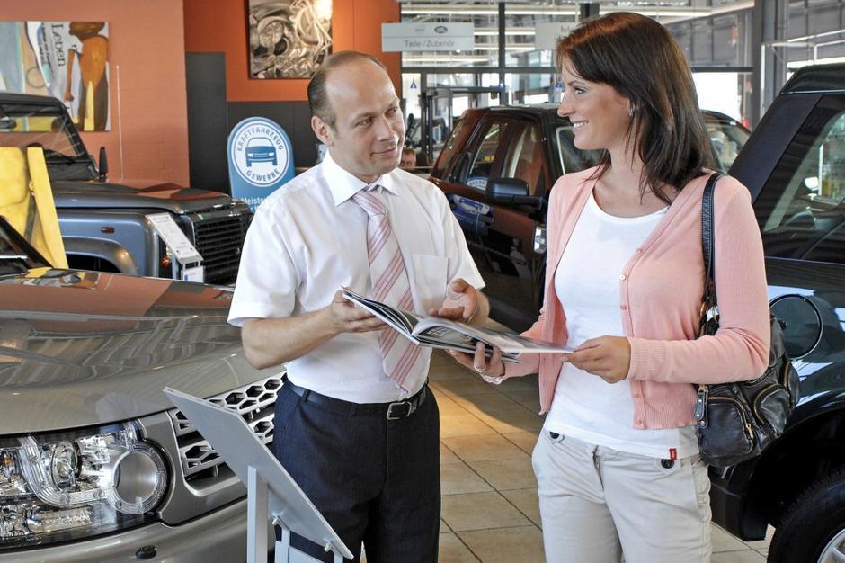 Nakup avtomobila   Avtor: unitedpictures.com