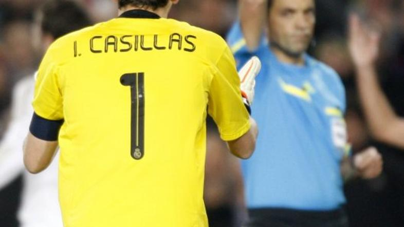 casillas rumeni karton barcelona real