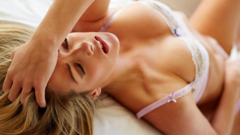 Rezultat iskanja slik za ženska z vibratorjem