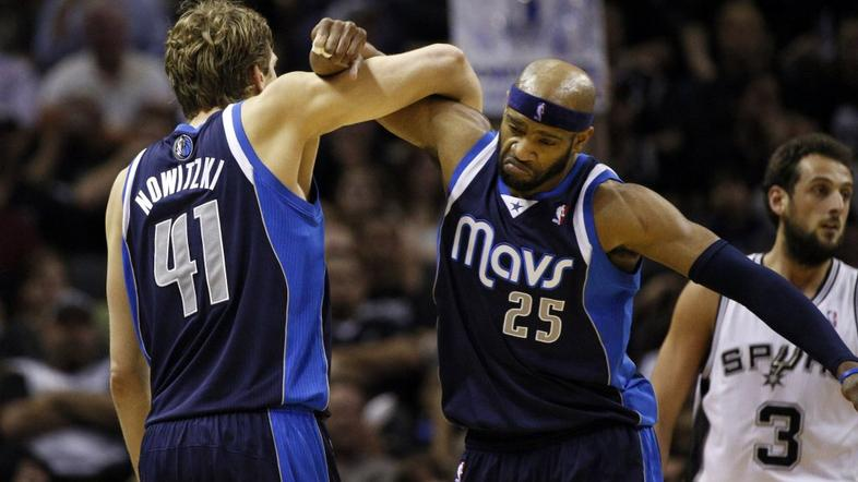 Dirk Nowitzky Vince Carter Dallas Mavericks San Antonio Spurs NBA končnica