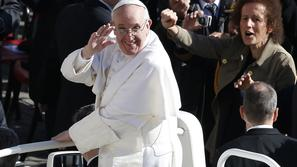 razno 19.03.13. papez, Pope Francis arrives in Saint Peter's Square for his inau