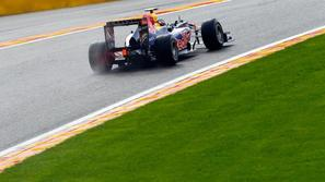 sebastian vettel red bull 2011 spa eau rouge