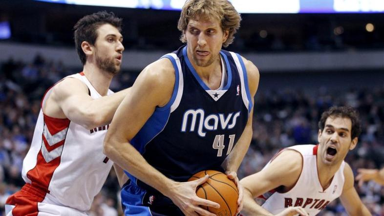Nowitzki Bargnani Calderon Dallas Mavericks Toronto Raptors NBA