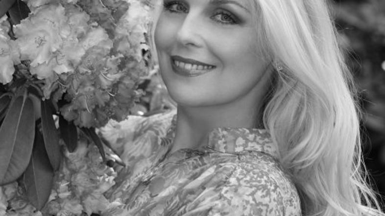 Simona Weiss: Ob obletnici tako ganljiv poklon | Žurnal24