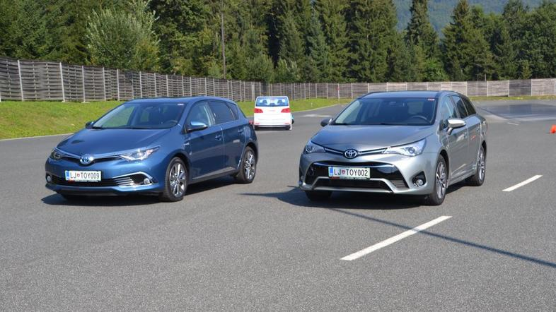 Toyota avensis in auris