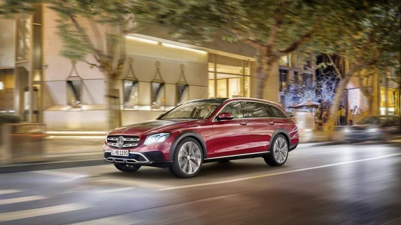 Mercedes-Benz razred E all terrarin