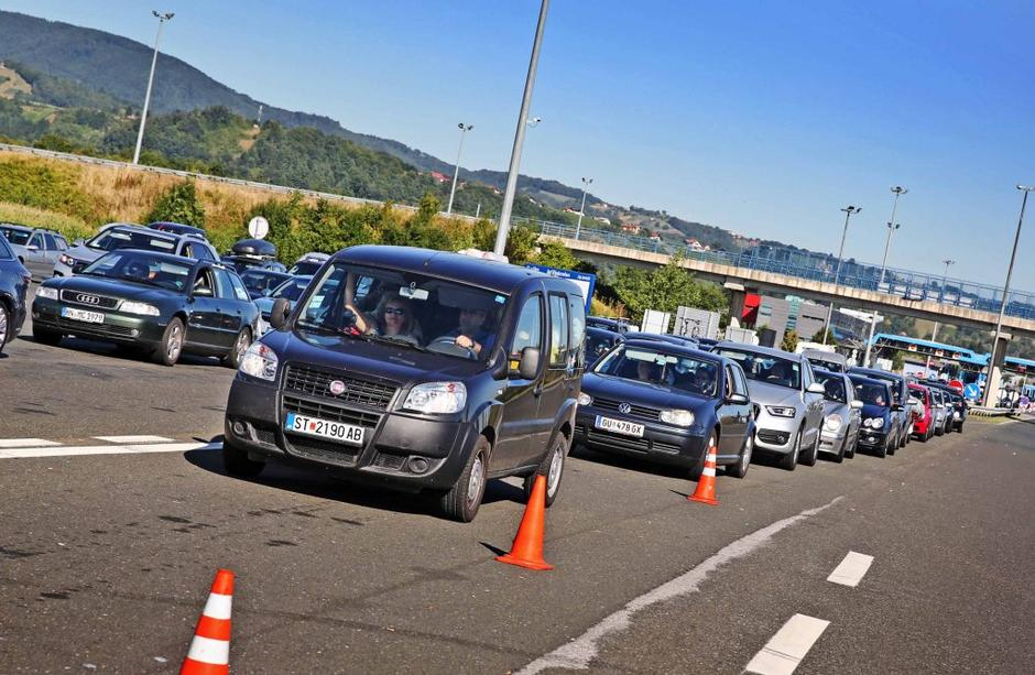 Traffic congestion Author: Saša Despot