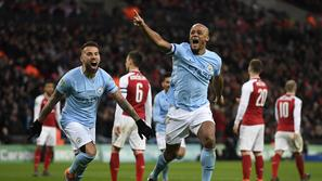 Vincent Kompany Man City Arsenal