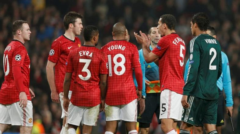 Ferdinand Evra Young Varane Rooney Cakir Manchester United Real Madrid