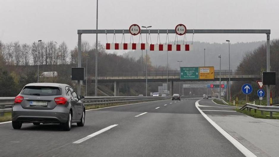 Avtocesta levi pas prehitevanje vožnja | Avtor: Saša Despot