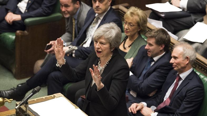 britanski parlament Theresa May
