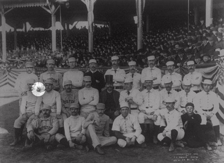 Sredinec: Boston Beaneaters | Avtor: True value paint