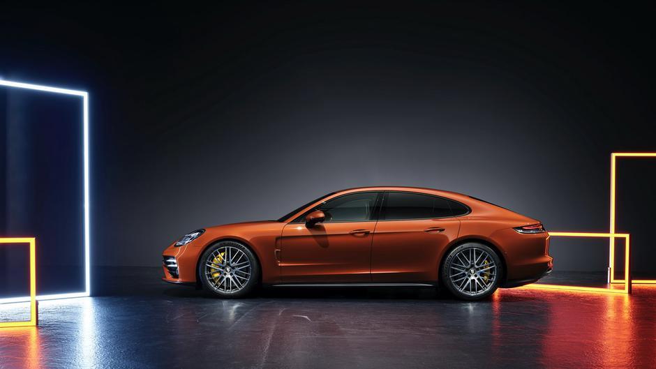 Prenovljena porsche panamera   Avtor: Porsche
