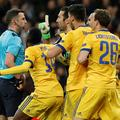 gianluigi buffon michael oliver