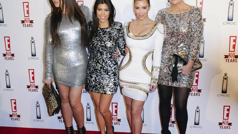 Kris Jenner in Kourtney, Kim in Khloe Kardashian