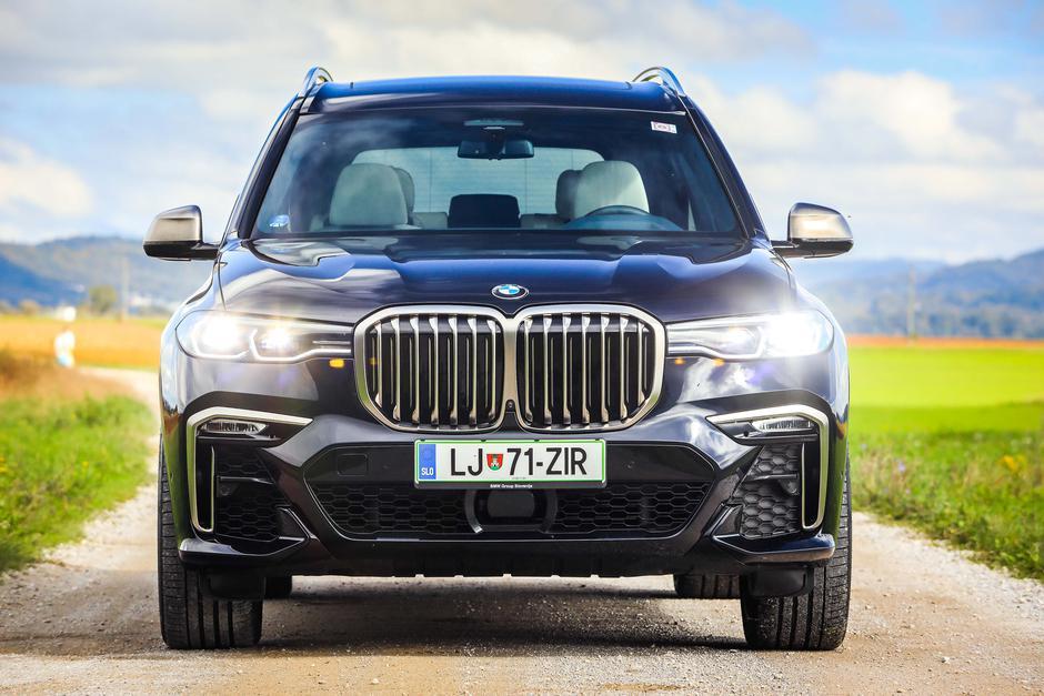BMW X7   Avtor: Saša Despot