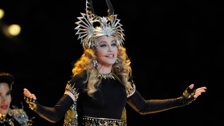 scena 07.02.12. US Singer Madonna performs during the halftime show of Super Bow